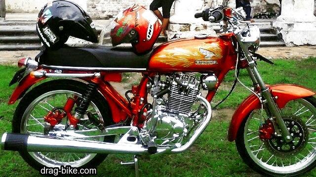 Gambar modifikasi motor cb 100 merah krom
