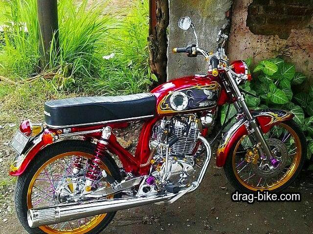 Gambar modifikasi motor cb klasik warna merah
