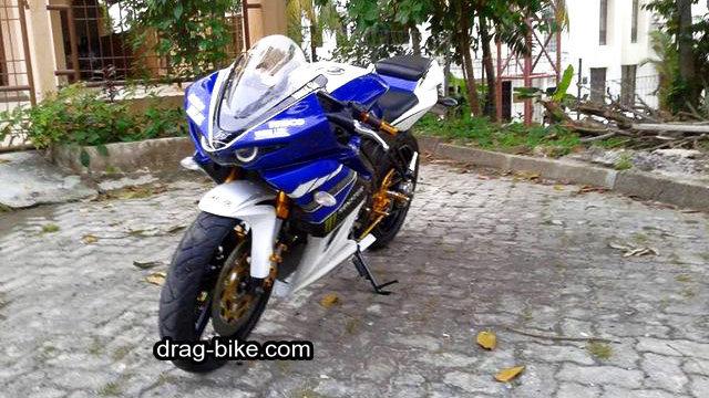 Modifikasi new vixion full fairing motogp M1 Yamaha YZR-M1