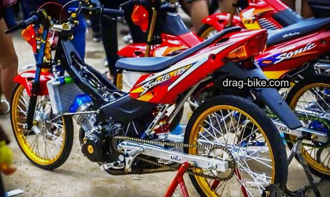 Modifikasi motor honda sonic street racing thailook