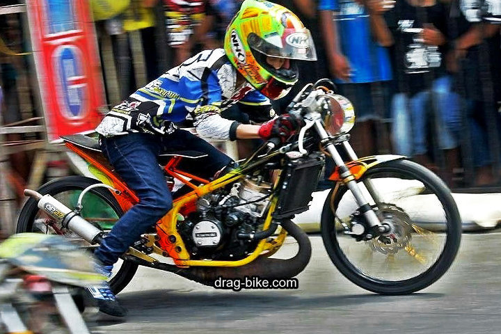 Motor Ninja Drag Modifikasi Balap