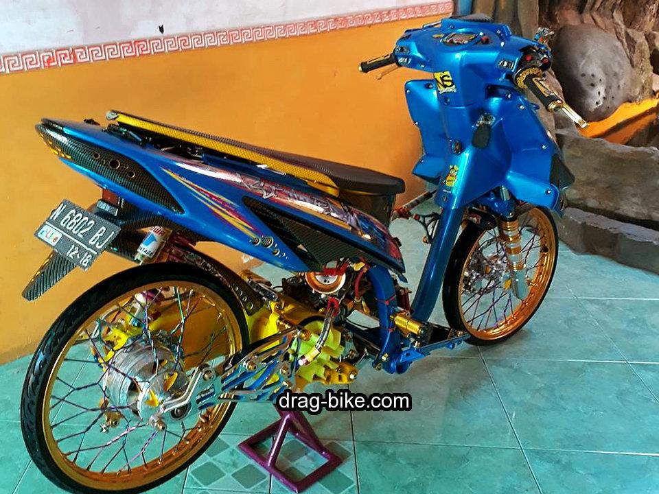 Modifikasi Motor Vario Lama Warna Biru