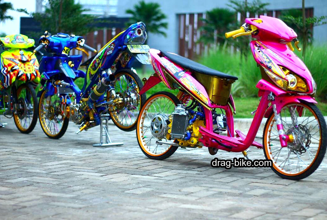 Modifikasi Stiker Motor Vario Techno 125