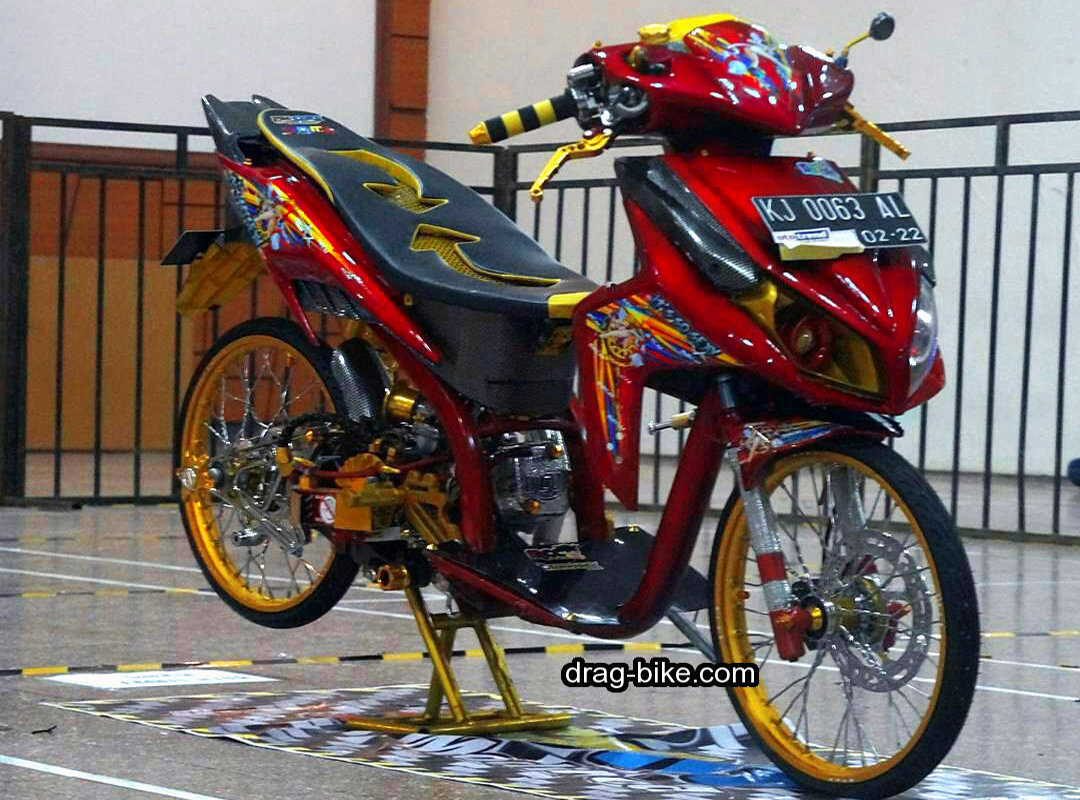 Modifikasi Vario 110 Thailook Warna Merah