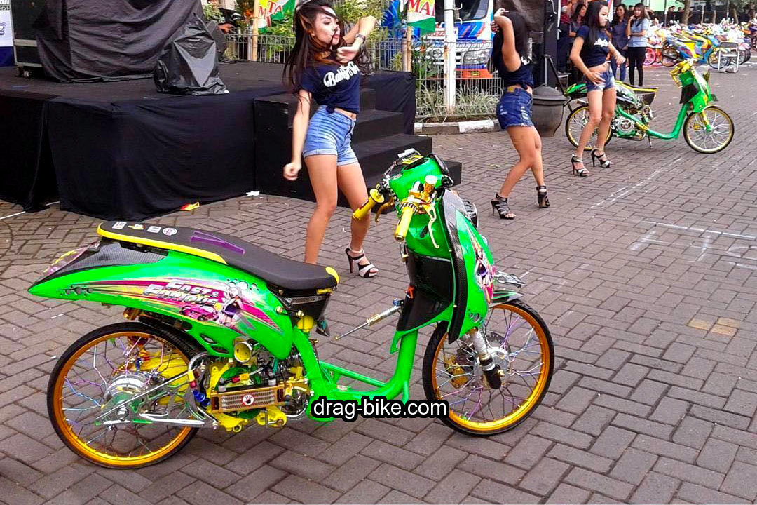 Honda Scoopy Modif Street Racing