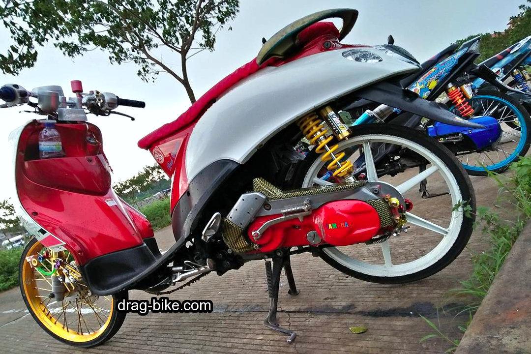 Motor Yamaha Fino Modifikasi Velg 17 Jari Jari